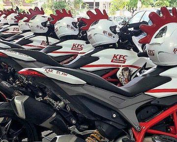 KFC Malaysia using Ducati Hypermotard 939 as Delivery Bike